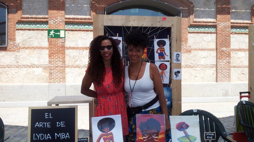 Alejandra Salmerón y Lydia Mba están detrás de 'El viaje de Ilombe' reivindica la presencia de más referentes afros en la literatura infantil.