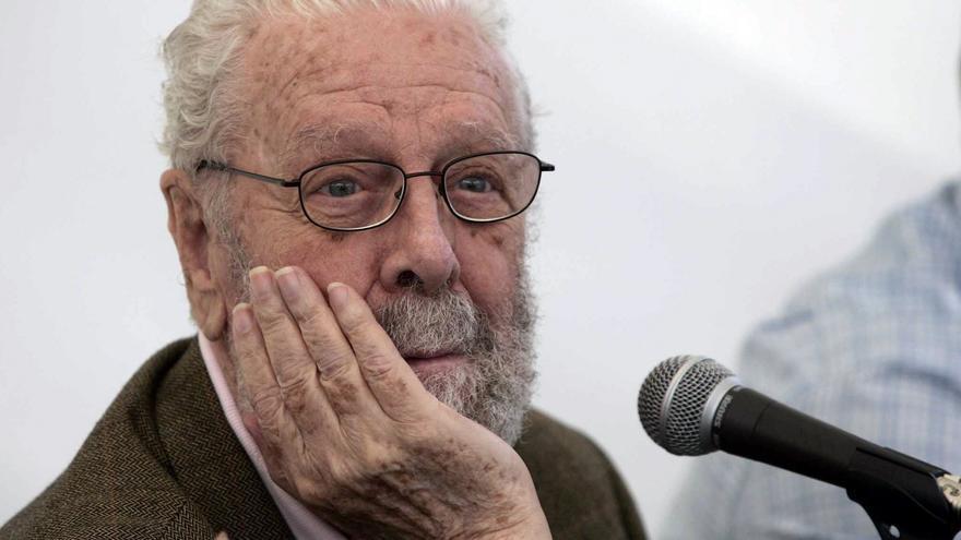 """M.A. Villena, biógrafo: """"Berlanga hoy haría una película sobre las vacunas"""""""
