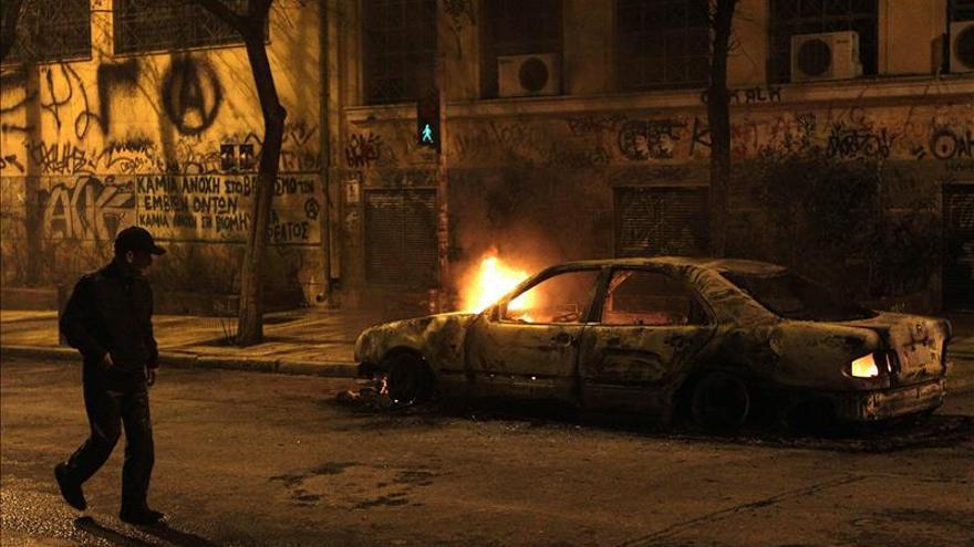 Incidentes en Atenas tras manifestación contra acuerdo cerrado por Gobierno