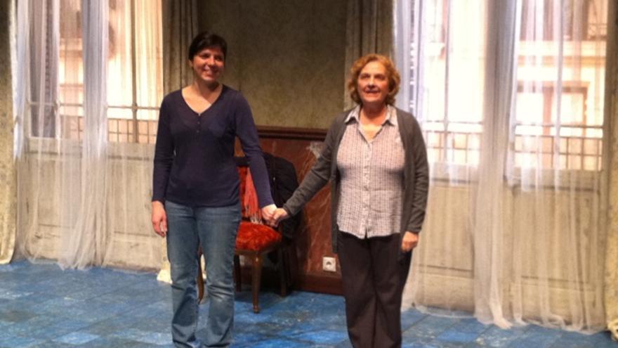 Anna Lizaran amb Alícia Pérez a 'Dues dones que ballen', al Lliure de Gràcia.