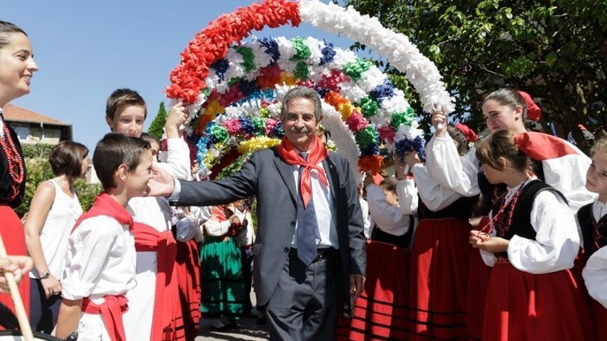 Iglesias, Rajoy y Revilla, los políticos con más seguidores en redes sociales