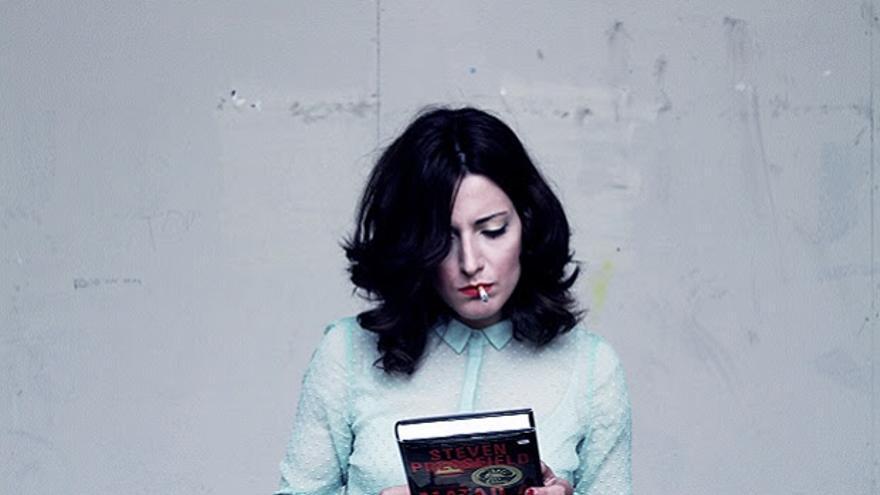 La escritora Lucía Baskaran