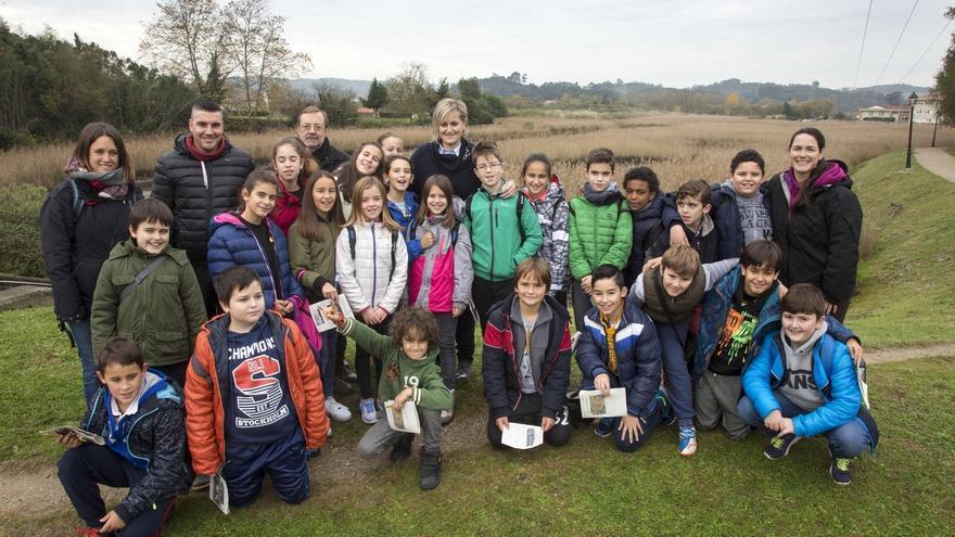 La Escuela de Medio Ambiente enseña a los estudiantes la importancia de la Ría del Carmen