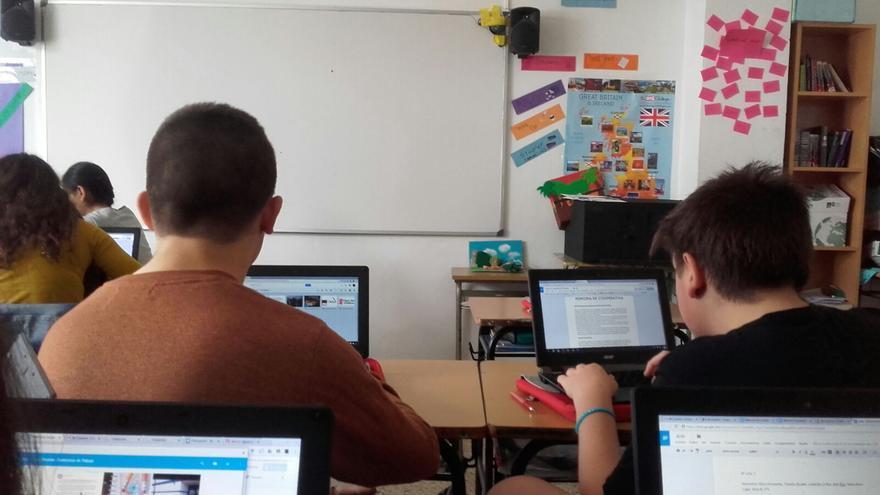 Las TIC aceleran los procesos de aprendizaje, facilitan la comunicación y convierten a los alumnos en hacedores.