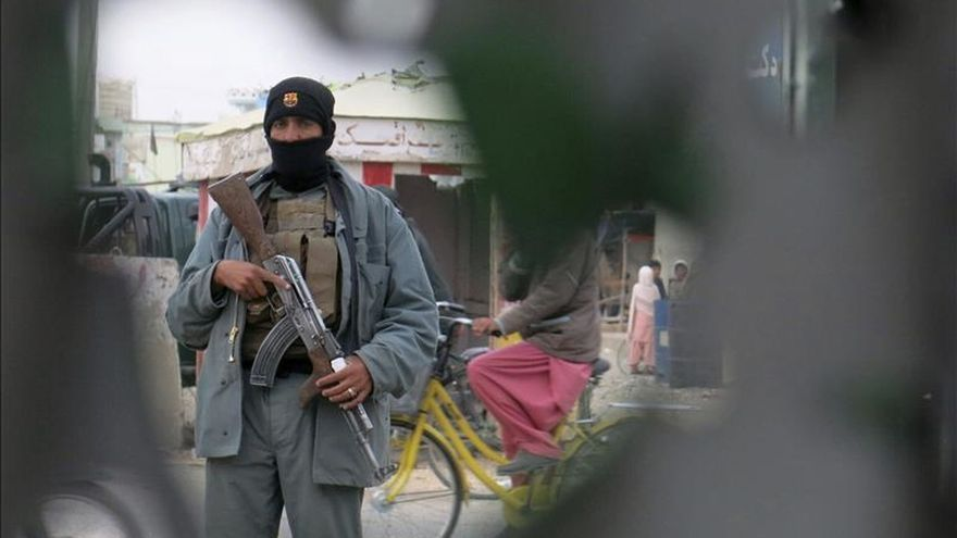 El Gobierno afgano eleva a 46 la cifra de muertos en ataque a aeropuerto