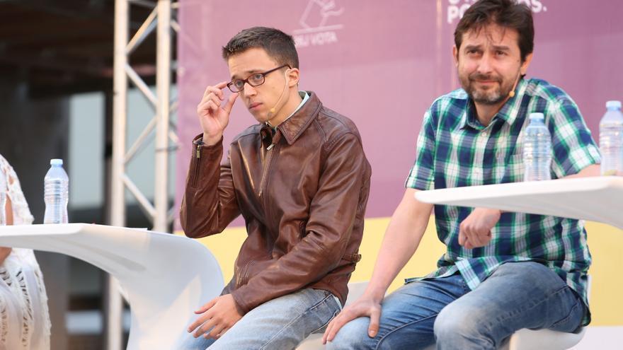 El secretario de política de Podemos, Íñigo Errejón, y el secretario de Relación con la Sociedad Civil y Movimientos Sociales del partido, Rafael Mayoral