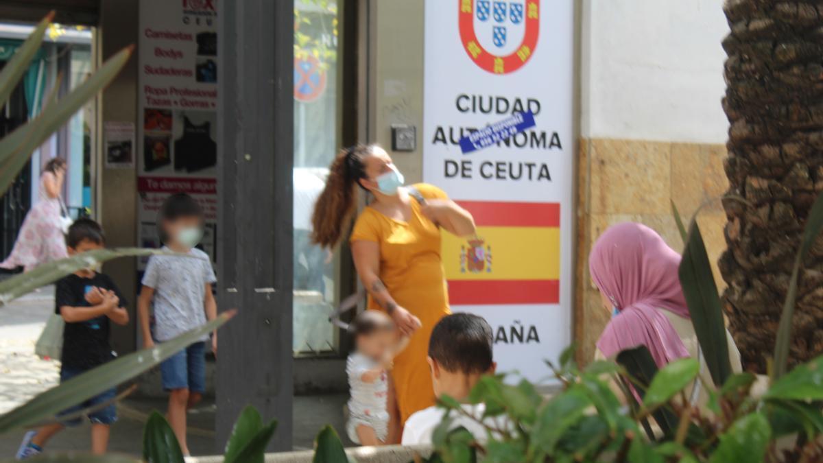 Desalojo de menores no acompañados en Ceuta