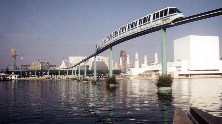 El monorraíl de la Expo 92, uno de los símbolos de aquella exposición universal (Imagen: Wikipedia)