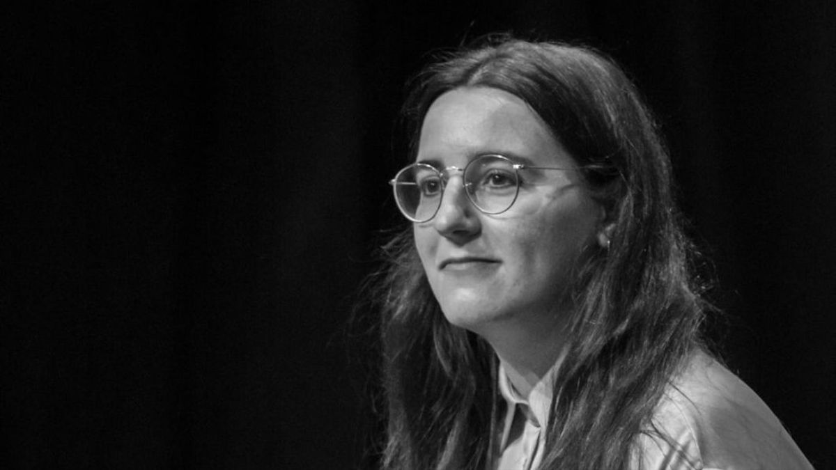 Begoña M. Rueda, ganadora del último Premio de Poesía Hiperión