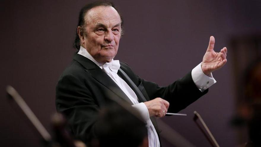 Charles Dutoit, de la Filarmónica de Londres