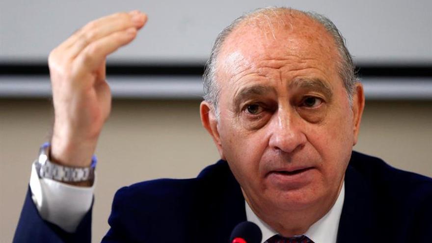 El PSOE pide una comisión de investigación sobre el uso de la Policía por Fernández Díaz