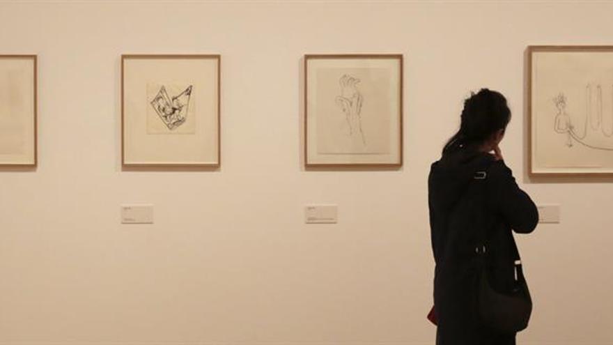 Anne-Marie Schneider expone los dibujos de su vida en el Museo Reina Sofía