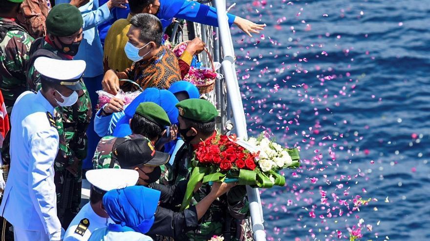 Indonesia espera a un buque chino para estudiar el rescate del submarino