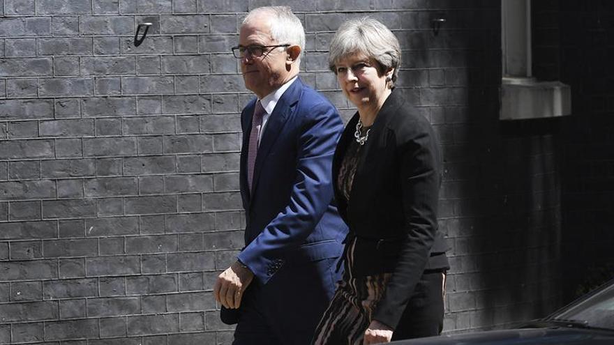 """Reino Unido y Australia ven """"prioritario"""" un acuerdo comercial post-""""brexit"""""""