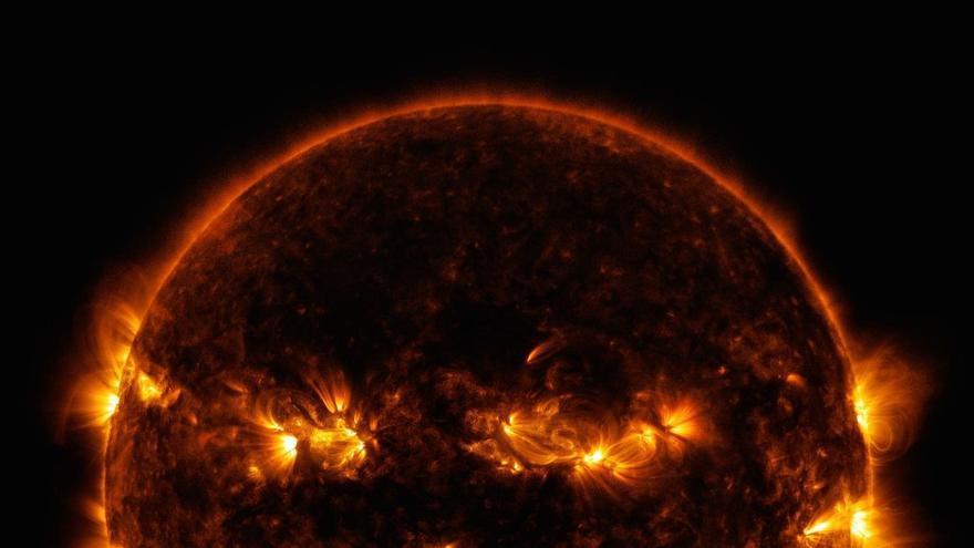 Imagen del Sol captada por la NASA con un curioso parecido con la calabaza de Halloween