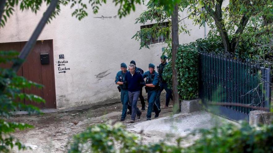 Momento de la detención de uno de los miembros del CDR.