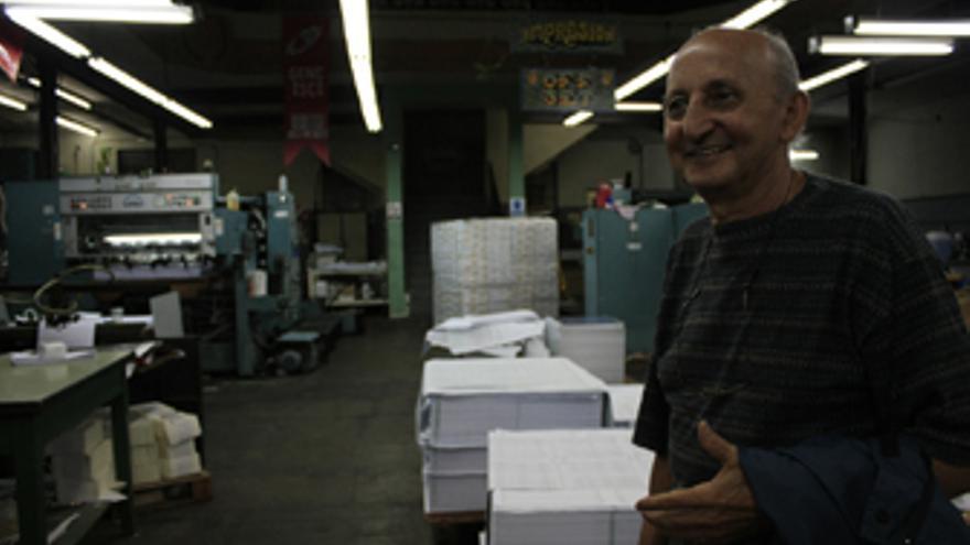 El emigrante grancanario Fermín González, socio de la Cooperativa Imprenta Chilavert. (CANARIAS AHORA)