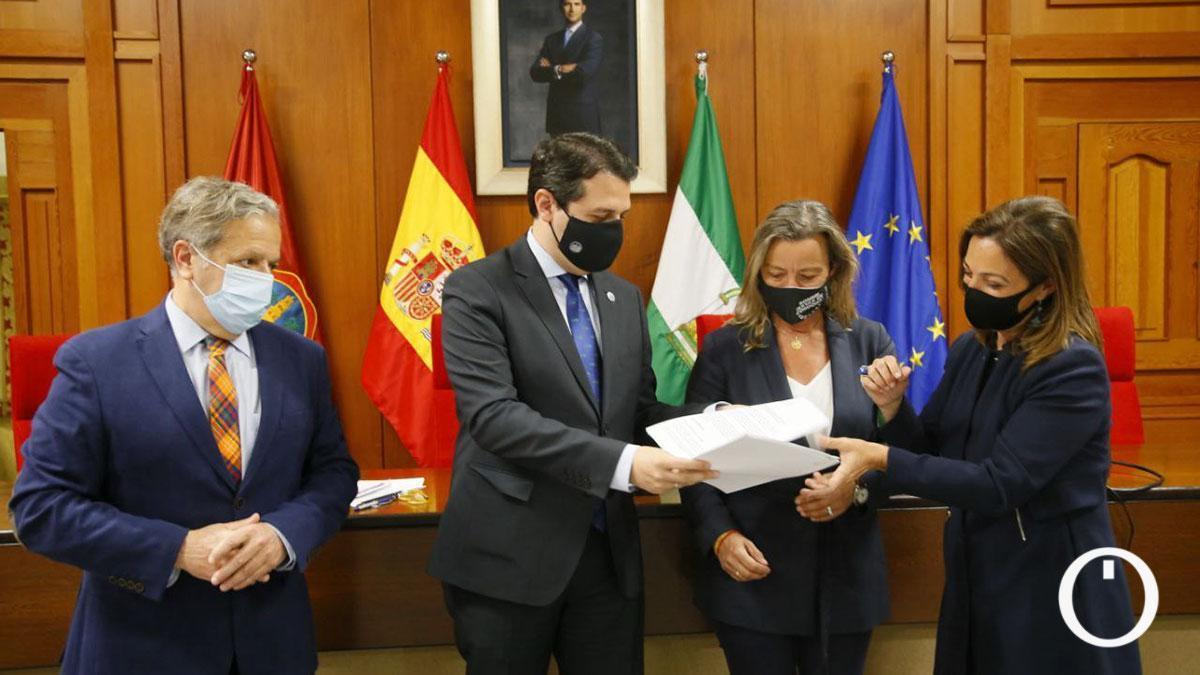 PP, Cs y PSOE en rueda de prensa tras el acuerdo de los presupuestos municipales