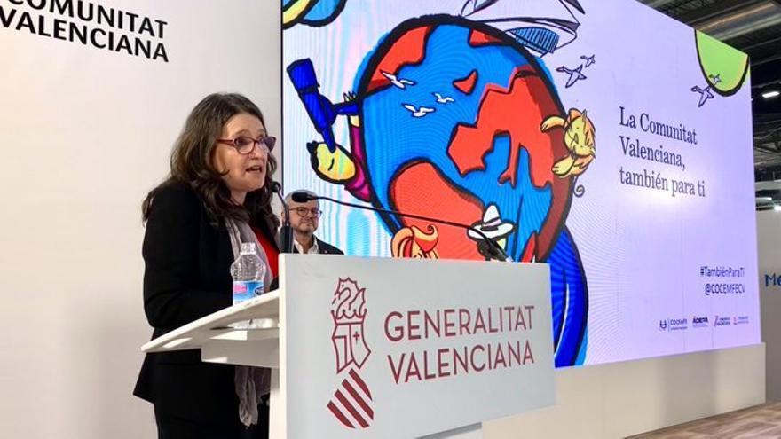 La vicepresidenta Mónica Oltra presenta en Fitur la guía de turismo inclusivo de Cocemfe.