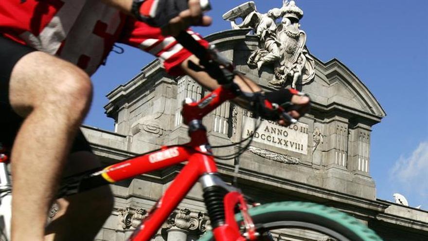 Bicis y motos protagonizan la nueva campaña de concienciación de la DGT