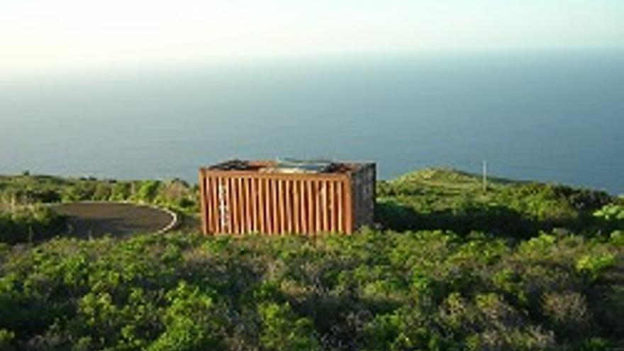 Estación meteorológica con sistema láser.