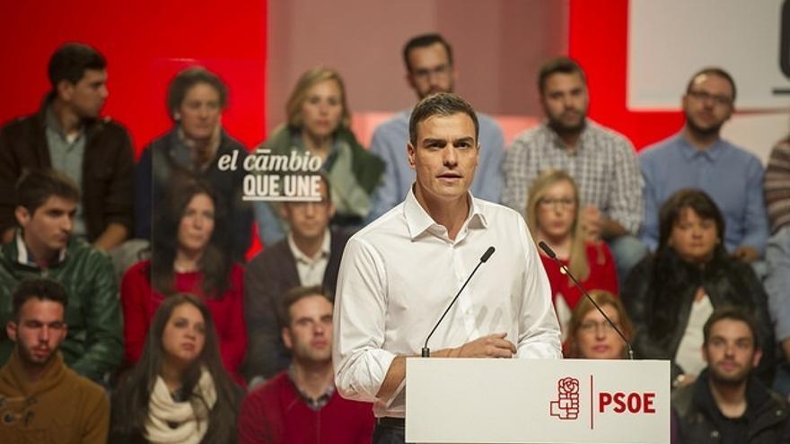"""Pedro Sánchez: """"Cuatro años más de Rajoy será la desaparición de la hucha de las pensiones"""""""