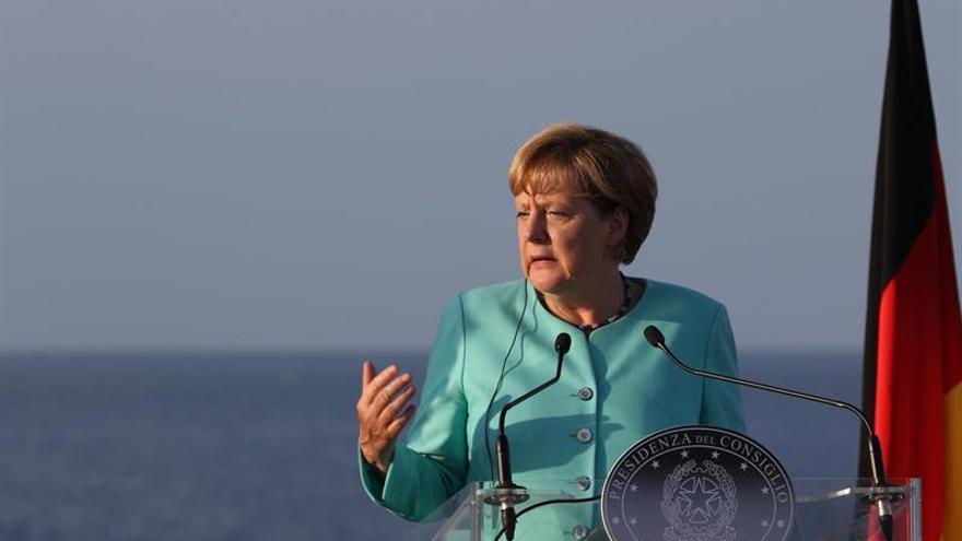 """Hollande y Merkel tratarán sobre el TTIP y nuevas propuestas tras el """"brexit"""""""