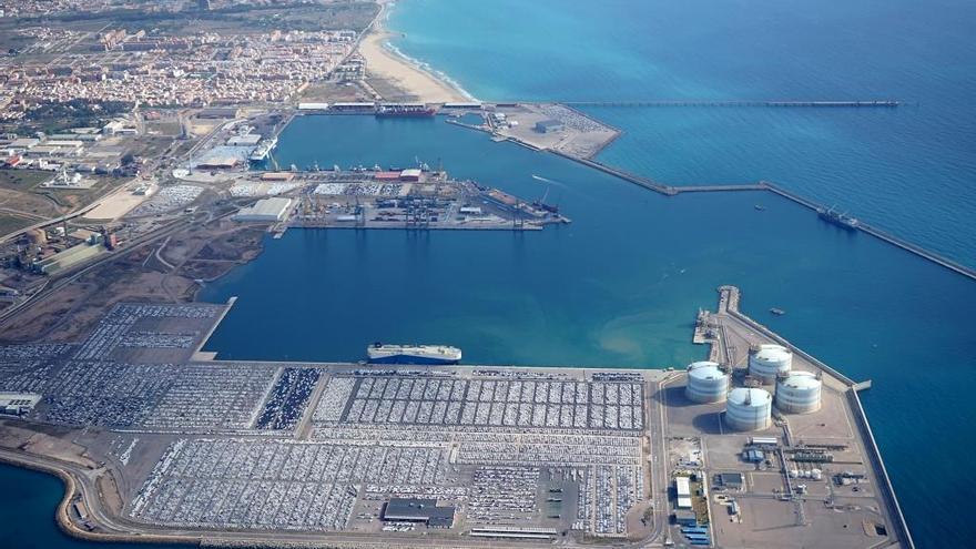 Imatge aèria del port de Sagunt.