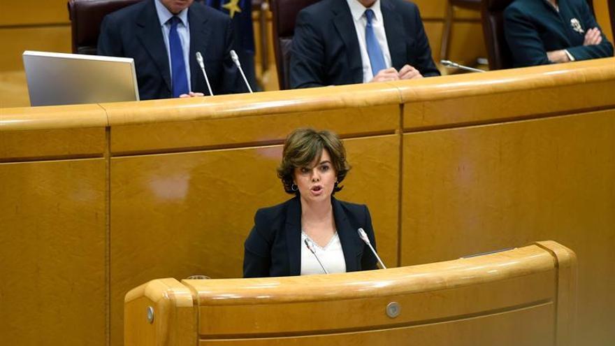 La vicepresidenta del Gobierno, Soraya Sáenz de Satamaría, durante su defensa del artículo 155 en el Senado.