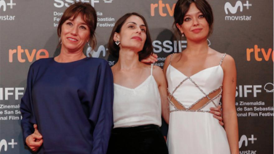 Celia Rico con Lola Dueñas y Anna Castillo en San Sebastián