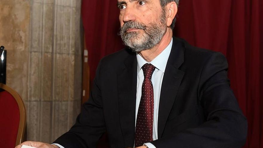 Izado solemne de bandera en Madrid por el aniversario de proclamación del Rey