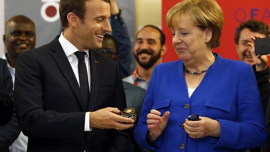 Merkel acepta las ideas de Macron para avanzar en la integración de la eurozona