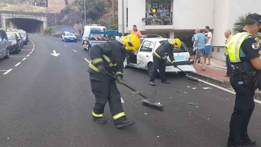 Los bomberos intervinieron en el siniestro.