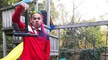 """6ix9ine, el rapero que quiso ser pandillero y acabó de """"chivato"""" contra una de las bandas más peligrosas de EEUU"""