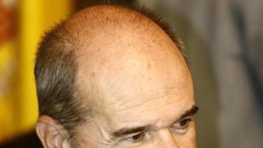 Ministro de gobernación, Manuel Chaves