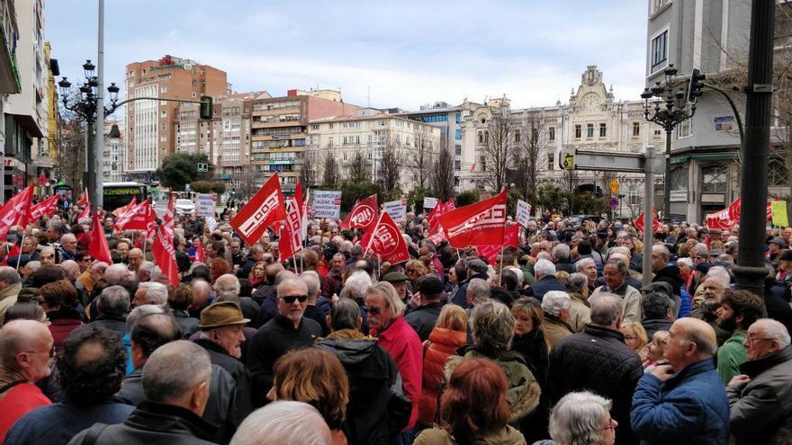 Manifestación en Santander a favor de las pensiones dignas. | ANDRÉS HERMOSA