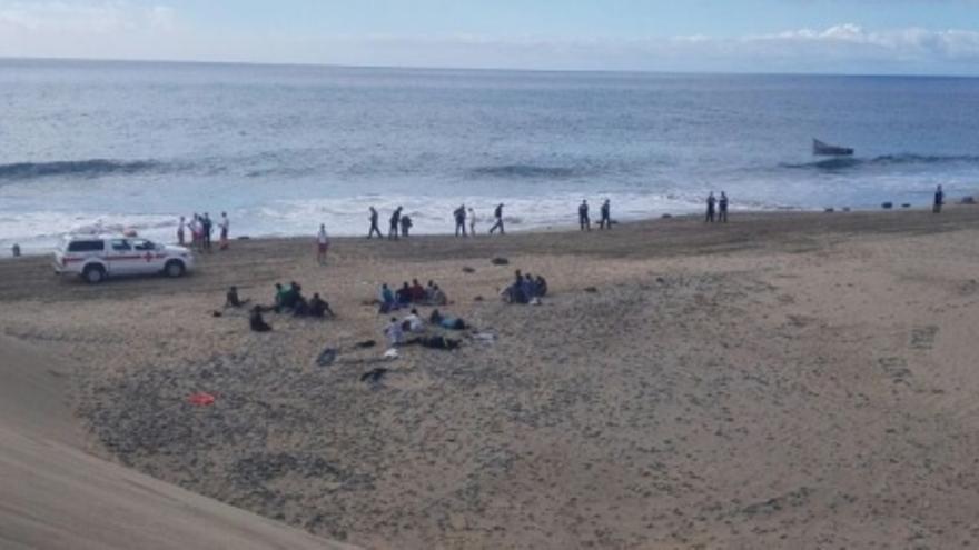 Llega una patera con 23 personas a bordo a Playa del Inglés