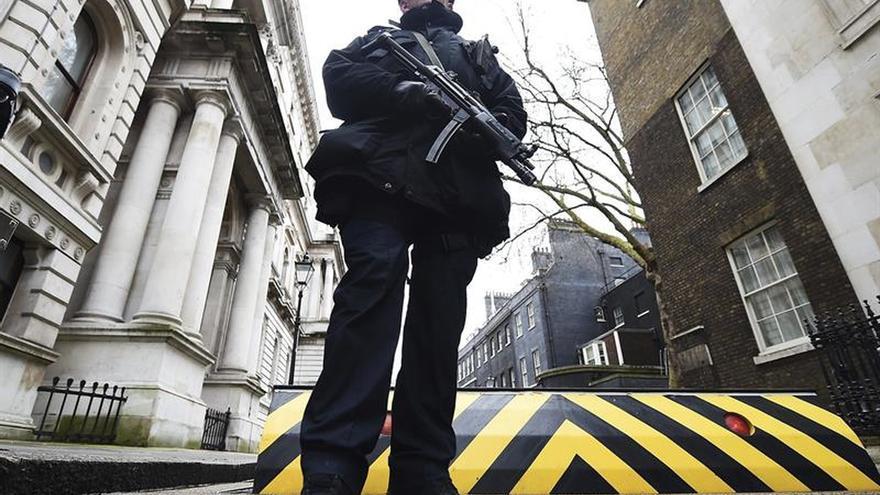 Aumenta el número de menores y mujeres detenidos por terrorismo en Reino Unido