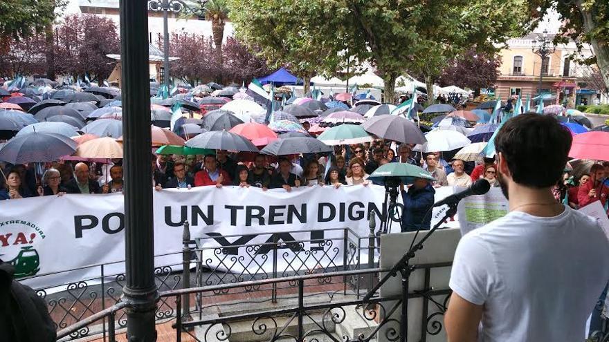 Manifestacion tren Badajoz ferrocarril digno Extremadura