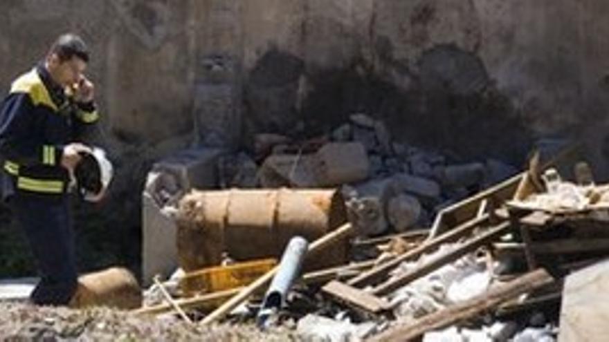 Búsqueda de los restos óseos en Jinámar. (ACN PRESS)