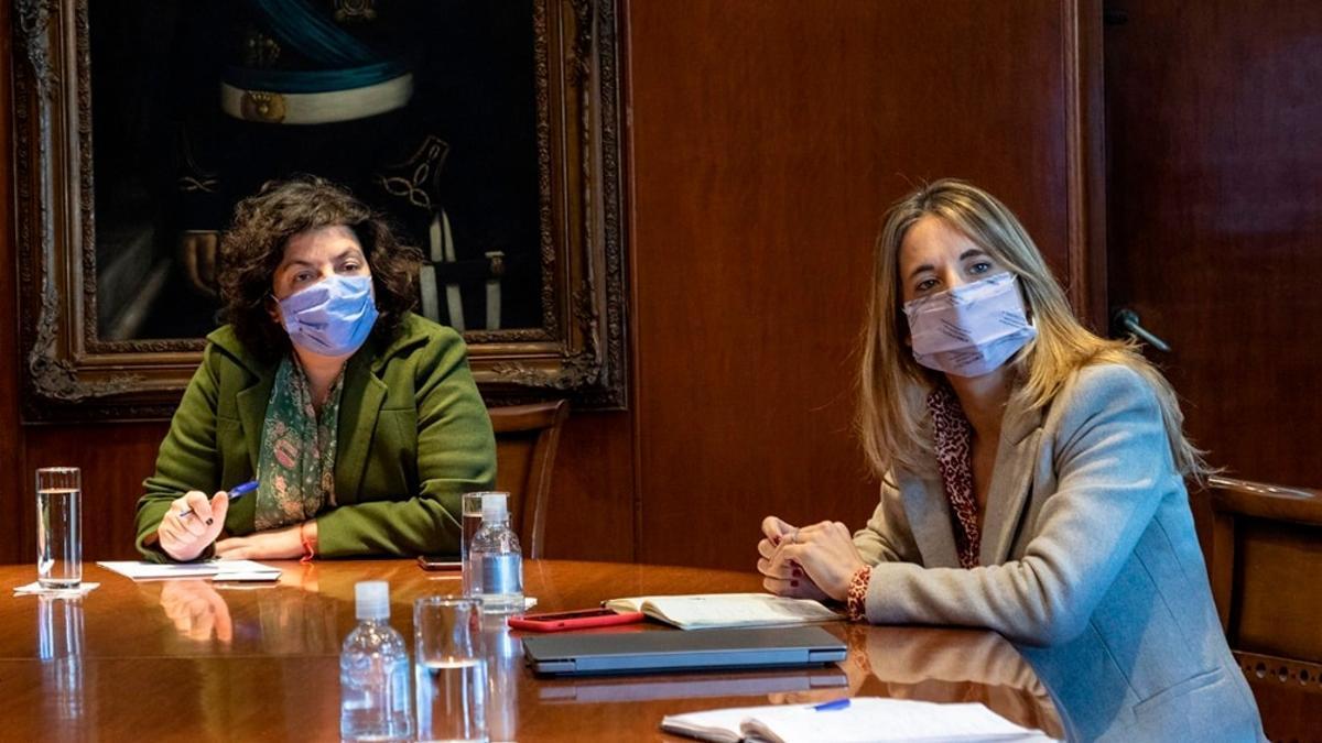 La ministra de Salud, Carla Vizzotti, y la asesora presidencial, Cecilia Nicolini, responsables de las negociaciones con Rusia