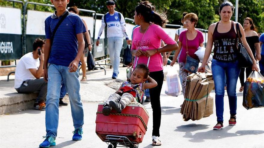 Venezolanos de bajos recursos migran con su vida en una maleta de 25 kilos