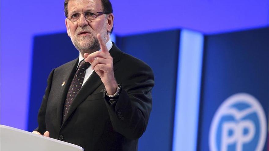 Rajoy eximirá de IRPF a primer empleo y al trabajo tras la edad de jubilación