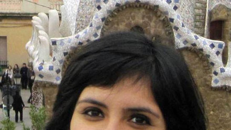 Elizabeth Vega sobrevive a la crisis española después de haber migrado desde Perú.
