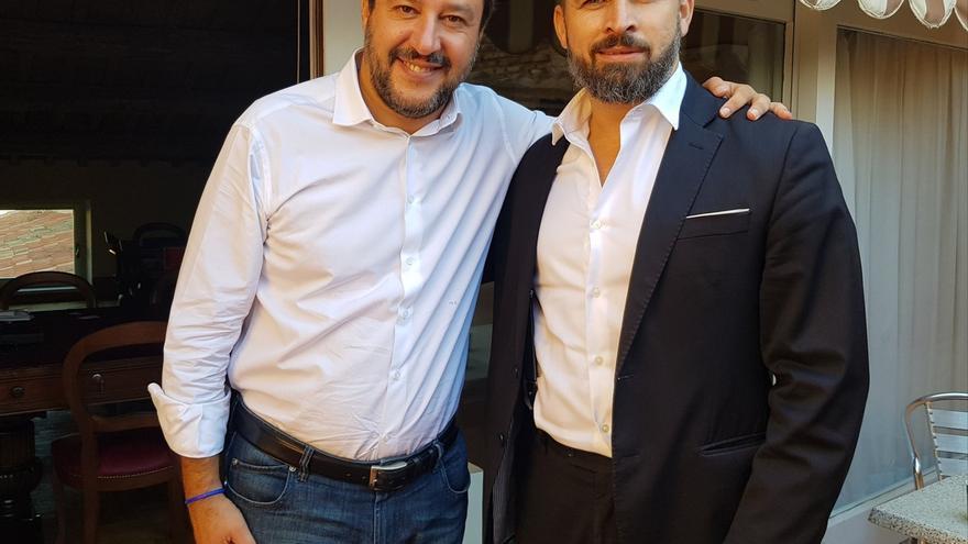"""Abascal se reúne con Salvini en Roma y coinciden en """"proteger las fronteras de Europa de la inmigración masiva"""""""