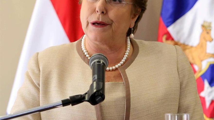 Michelle Bachelet insta a la oposición a sumarse al proceso constituyente