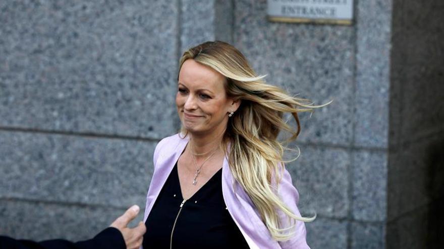 Desestiman cargos contra la actriz porno Stormy Daniels por actos de estriptís