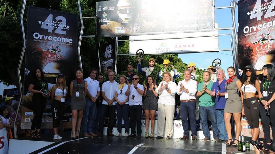 Foto de archivo de la ceremonia clausura  del Rallye de Senderos de La Palma 2015 .