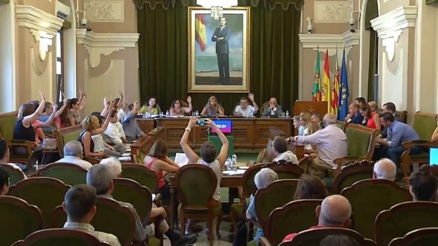 Votación en el pleno del Ayuntamiento de Castelló.