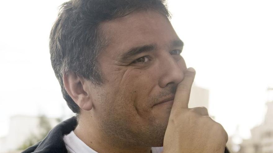 Compañeros del mundo de la cultura y la comunicación rinden homenaje a Carlos Vílchez
